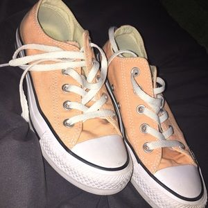 Peach Converse All-Star